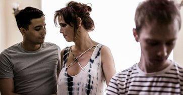 Threesome With Syren De Mer